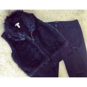 Arizona • juniors Faux fur vest size XL